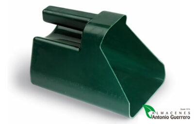Pala para pienso plástico - Almacenes Antonio Guerrero